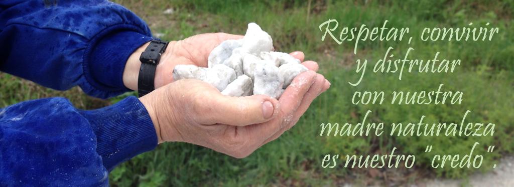 mano-piedras